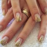 Dourado, um charme e fácil de combinar. (Foto:Divulgação)