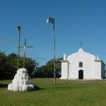 A referida igreja e o quadrado de Trancoso (Foto: divulgação)