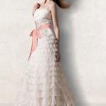 Vestido de noiva simples com babados (Foto: divulgação)