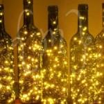Luminária de garrafas (Foto: divulgação)
