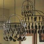 Luminária de talheres (Foto: divulgação)