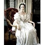 O vestido usado em A Jovem Vitória era uma réplica do realmente usado pela Rainha Vitória. (Foto: divulgação)