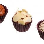 Os brigadeiros chegam a ser preparados com ingredientes importados, como chocolate belga. (Foto:Divulgação)