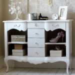 A mobília com traços antigos é valorizada pela decoração vintage. (Foto:Divulgação)