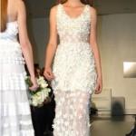Os vestidos com transparência nas pernas proporcionam visual mais ousado (Foto: divulgação).