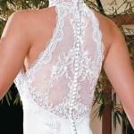 Vários modelos de vestidos de noivas com transparência nas costas podem ser encontrados (Foto: divulgação).