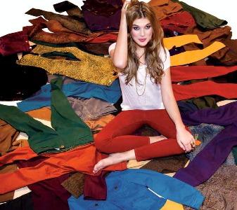 Moda denim colors: jeans coloridos para 2013