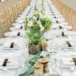 Mesa comprida para acomodar os convidados. (Foto:Divulgação)