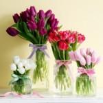 Os móveis ficam muito mais bonitos com flores de primavera (Foto: divulgação).