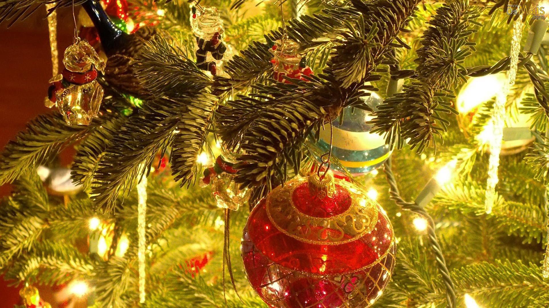 Árvore de natal com bolas