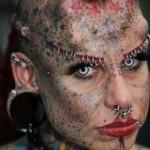 Rosto tatuado (Foto: Divulgação)