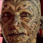 Rosto todo tatuado (Foto: Divulgação)