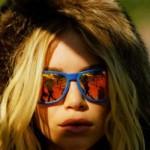 Pelo fato de ser colorido o óculos de sol chama mais atenção. (Foto:Divulgação)