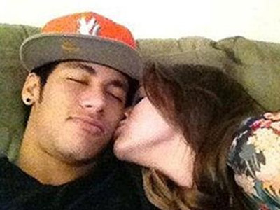 Foto do suposto casal alimentou rumores de namoro entre o jogador do Santos e a atriz (Foto: Divulgação)