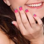 O charme das unhas francesinhas. (Foto:Divulgação)