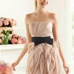 Um vestido delicado e com cintura marcada. (Foto:Divulgação)