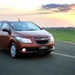 Com o Onix, a GM tentará alcançar as primeiras posições no ranking dos carros mais vendidos do Brasil (Foto: Divulgação)