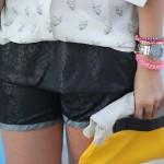 A camisa fica mais delicada, se colocada dentro do short (Foto: Divulgação)