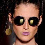 Pessoas com rosto triangular devem comprar óculos redondos (Foto: Divulgação)