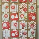 Um calendário de natal com papéis de scrapbook. (Foto:Divulgação)