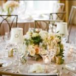 O dourado pode ser usado nos detalhes da mesa. (Foto: divulgação)