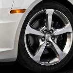 O carro possui novidades visíveis, como a roda (Foto: Divulgação)