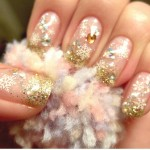 O dourado fica muito bem combinado com tons nude e transparências. (Foto: divulgação)