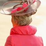 É necessário que o chapéu tenha alguma ligação com o restante do look. (Foto: divulgação)
