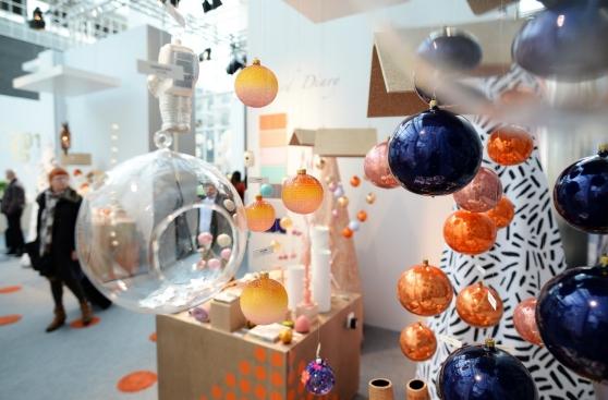 Bolas coloridas na decoração