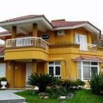 Algumas casas possuem fachadas diferentes (Foto: Divulgação)