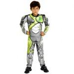 Os meninos se sentirão verdadeiros heróis com a fantasia de Max Steel. (Foto: divulgação)