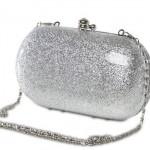 Bolsa com brilho prata. (Foto:Divulgação)