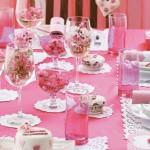 Arrume as mesas com muito rosa (Foto: Divulgação)