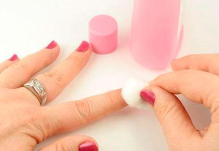 Novos produtos para remover esmalte das unhas