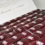 Convites de casamento em formato de chocolate (Foto: Divulgação)