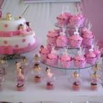 O rosa é uma cor muito explorada nos bolos. (Foto:Divulgação)