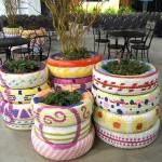 Mais exemplos de vasos com pneus (Foto: Divulgação)