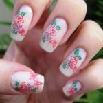 Acessórios ajudam a desenhar as florzinhas, como o palito. (Foto:Divulgação)