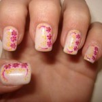 Todas as unhas podem ser decoradas com florzinhas. (Foto:Divulgação)