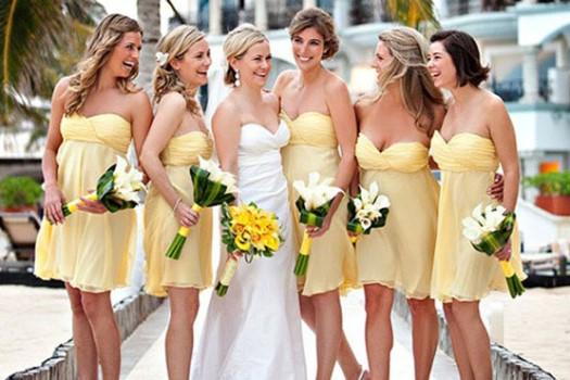 Vestido de dama de honra amarelo e azul