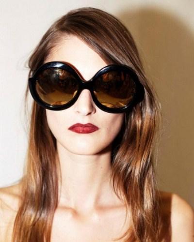 acd044e3186a6 Óculos de sol grande  como usar