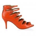 As sandálias podem ser usadas em várias cores. (Foto: divulgação)