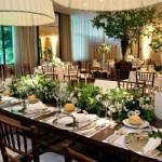 Mesa de almoço com decoração clássica. (Foto:Divulgação)