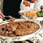 Os convidados devem se sentir à vontade para se servir. (Foto:Divulgação)