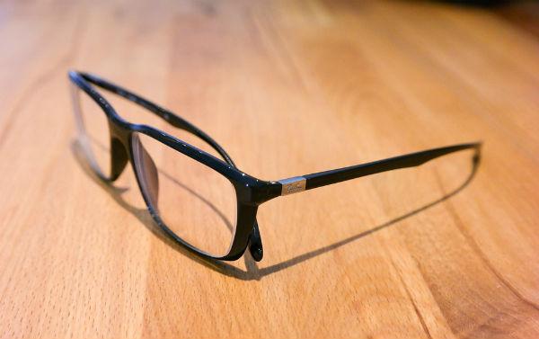 Como tirar arranhões dos óculos