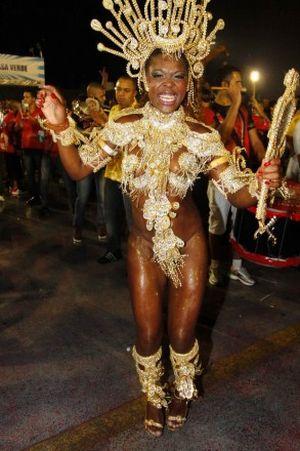 Viviane araujo unidos da tijuca carnaval 2001 - 2 2