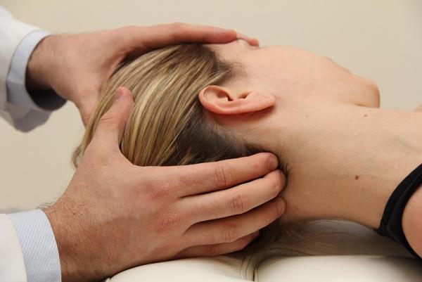 Massagem na nuca
