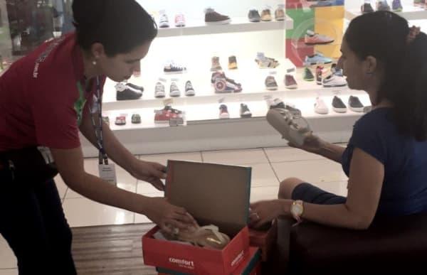empregos temporários de fim de ano vendedora de calçados