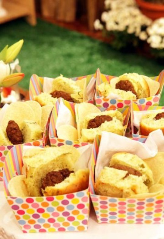 10 ideias para servir comida em festas infantil for Servir comida