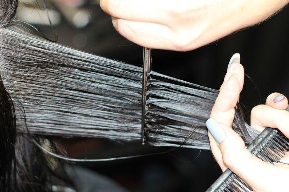 Cursos na área de cabeleireiro fazem parte da oferta (Foto Ilustrativa)